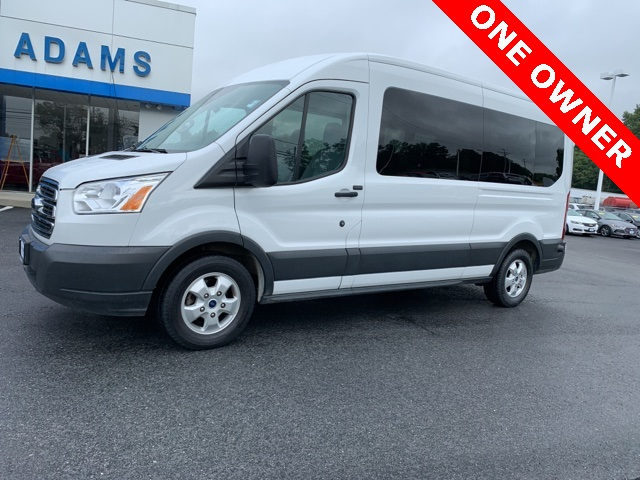 2017 Ford Transit 350 Wagon >> Pre Owned 2017 Ford Transit 350 Xlt Rwd 3d Medium Roof Wagon